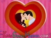 Play Angelina and Brad Kissing
